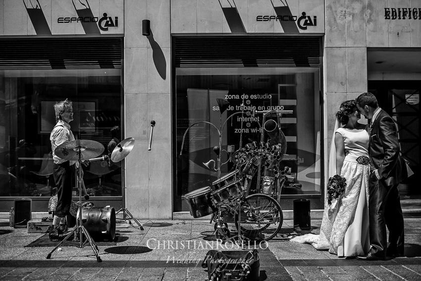 Boda en Finca el Marqués de Sara y Javi en Zuera Zaragoza. Calle Alfonso I. Christian Roselló Fotógrafo de Bodas en Zaragoza con sede en Valencia.