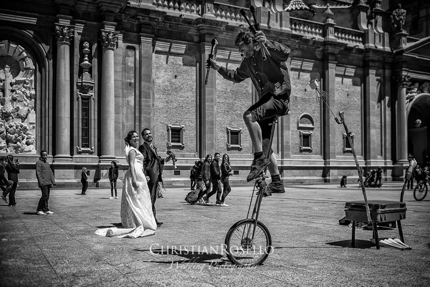 Boda en Finca el Marqués de Sara y Javi en Zuera Zaragoza. Plaza del Pilar Zaragoza. Christian Roselló Fotógrafo de Bodas en Zaragoza con sede en Valencia.