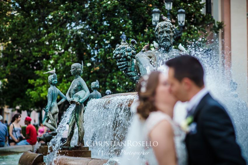 Boda en Jardines La Cartuja Melanie y Alberto. Plaza de la Virgen Valencia. Christian Roselló Fotografo de Bodas Nacional e Internacional con sede en Valencia.