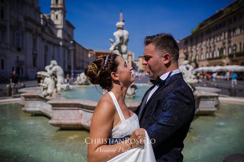 Post Boda en Roma, Piazza Navona, Mª Jesus y Oscar. Christian Roselló, Wedding Photographer in Rome, based in Valencia Spain