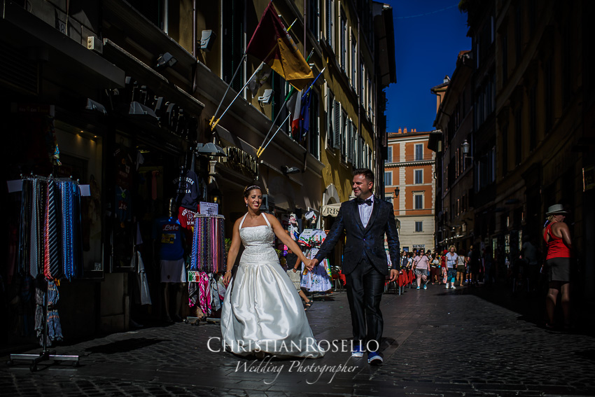 Post Boda en Roma, Piazza di Sant'Ignazio, Mª Jesús y Oscar. Christian Roselló, Wedding Photographer in Rome, based in Valencia Spain