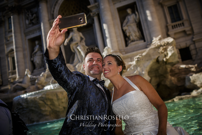 Post Boda en Roma, Fontana di Trevi, Mª Jesús y Oscar. Christian Roselló, Wedding Photographer in Rome, based in Valencia Spain