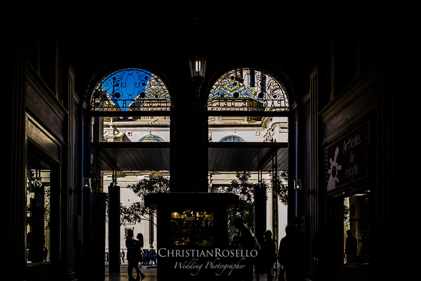 Reportaje Pre Boda en Zaragoza, Plaza del Pilar, Berta y Jorge. Christian Roselló Fotógrafo de Bodas en Zaragoza con sede en Valencia
