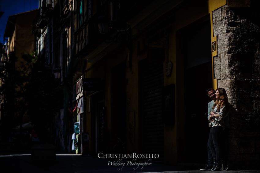 Reportaje Pre Boda en Valencia Rosa y Rubén, Barrio del Carmen Valencia. Christian Roselló Fotógrafo de Bodas con sede Valencia.