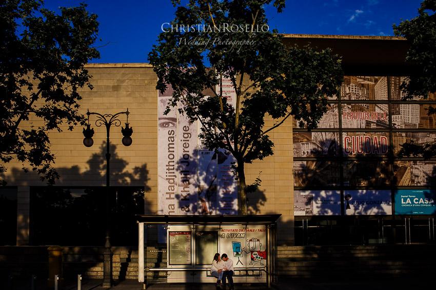 Pre Boda en Valencia Olga y David, Instituto Valenciano de Arte Moderno, IVAM. Christian Roselló Fotógrafo de Bodas nacional e internacional con sede en Valencia.