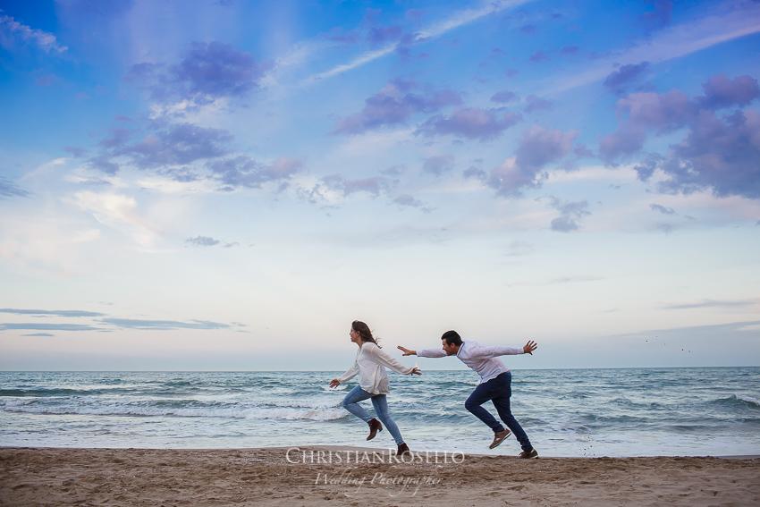 Pre Boda en Valencia Olga y David, Playa de Alboraya. Christian Roselló Fotógrafo de Bodas nacional e internacional con sede en Valencia.
