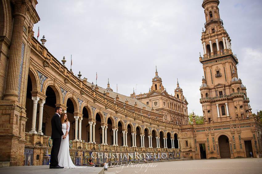 Reportaje Post Boda en Sevilla Laura y Fran. Plaza de España Sevilla. Christian Roselló Fotógrafo de Bodas nacional e internacional con sede en Valencia.