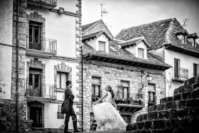 Reportaje Post Boda en la Selva de Oza Huesca, Miriam y Pablo. Christian Roselló Fotógrafo de Bodas nacional e internacional con sede en Valencia.